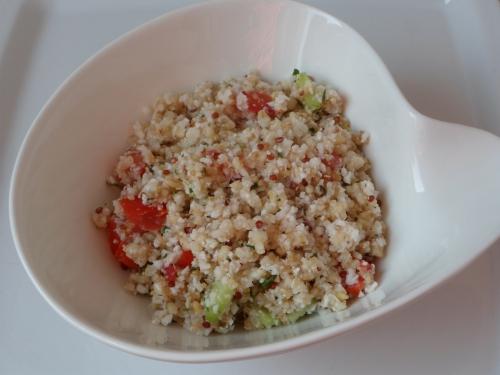 Salade, taboulé, chou-fleur, tomate, concombre