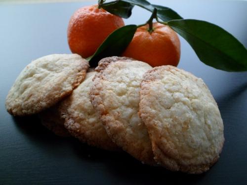 Biscuit sucré, noisette, clémentine