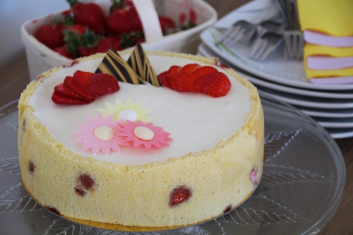 biscuit amande, fraises, citron, meringue italienne