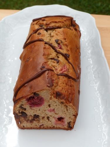 Cake, farine de châtaigne, framboises, pépites de chocolat