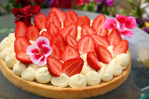 tarte sucrée, crème noisette, crème diplomate, fraises