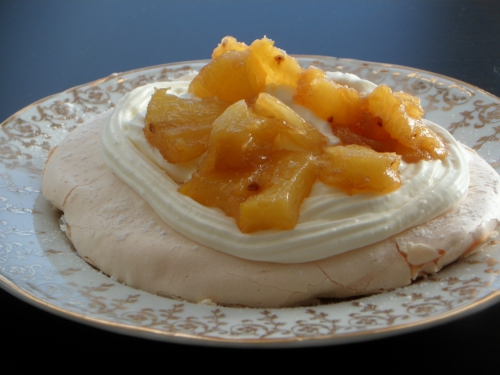 Meringue, ananas, chantilly