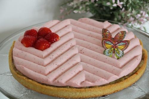 tarte sucrée, fraise, rhubarbe