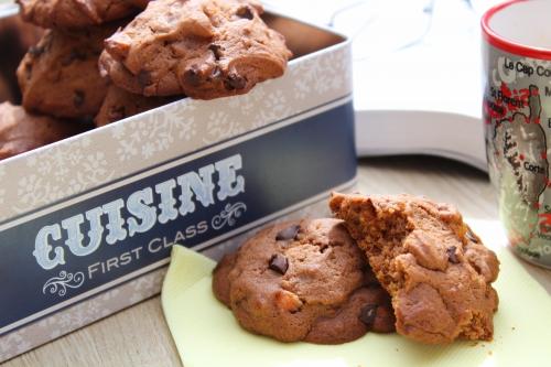 Biscuits, cacao, kumquat confit, cacao, pépites de chocolat